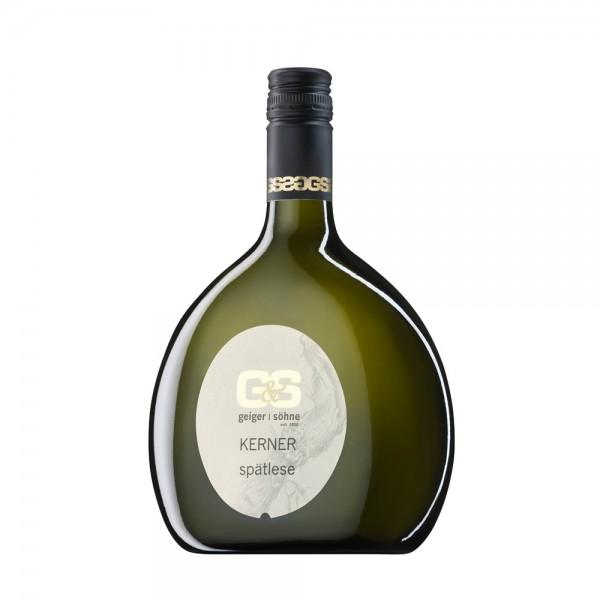 Kerner Weißwein aus Franken Spätlese lieblich im Bocksbeutel