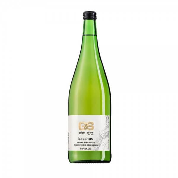 Bacchus Weißwein aus Franken Kabinett halbtrocken in der Literflasche